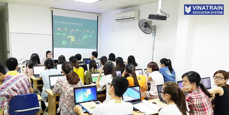 Khóa học Logistics tại Vinatrain được đánh giá uy tín