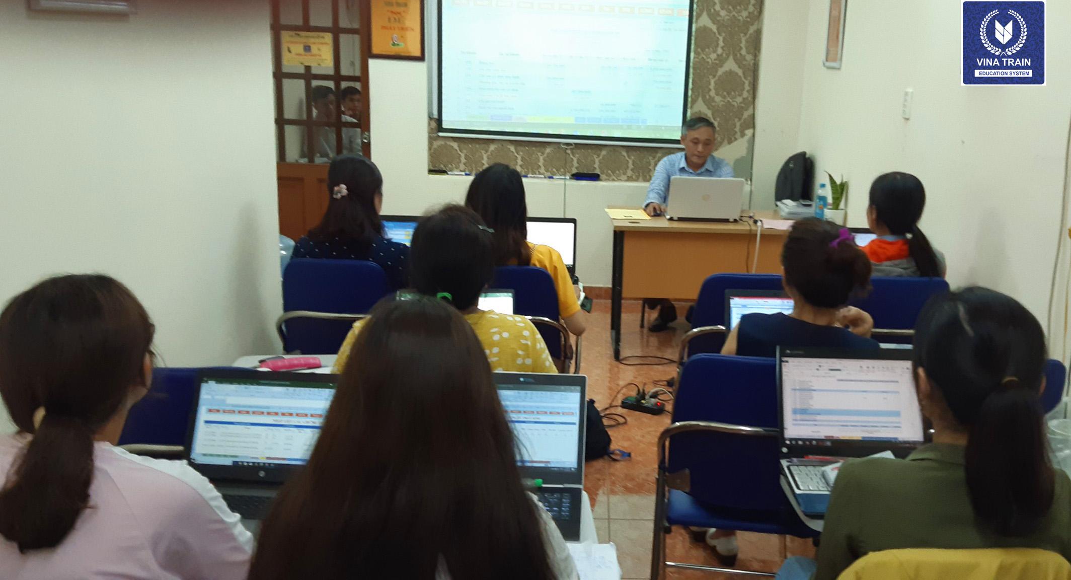 Khóa học khai báo hải quan tại VinaTrain (Hồ Chí Minh)