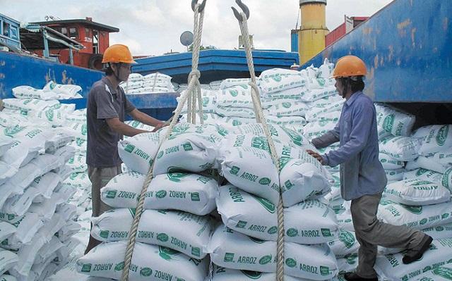 Rút ruột cont phổ biến ở hàng nhập khẩu